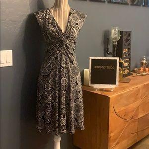 2/$15 White House Black Market Soft Dress